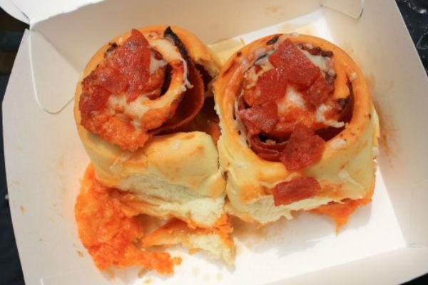 Cinnabon's Pizzabon