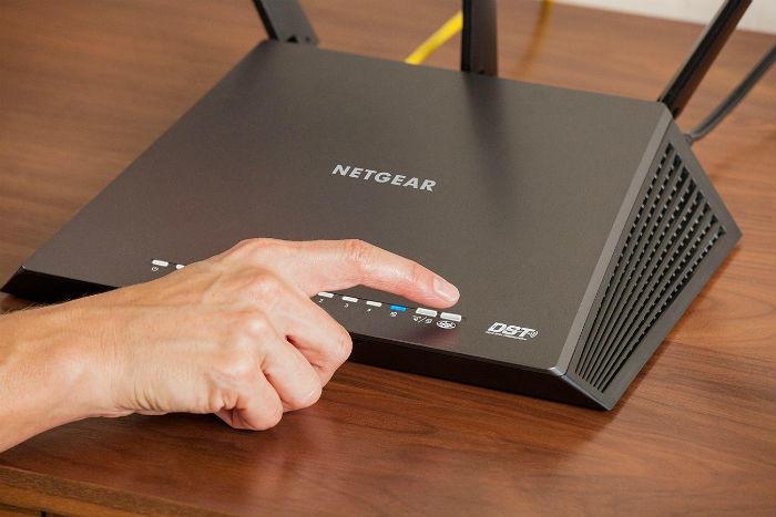 NETGEAR R7300DST router