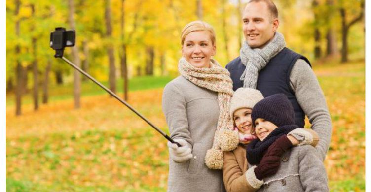 Selfie Stick Family